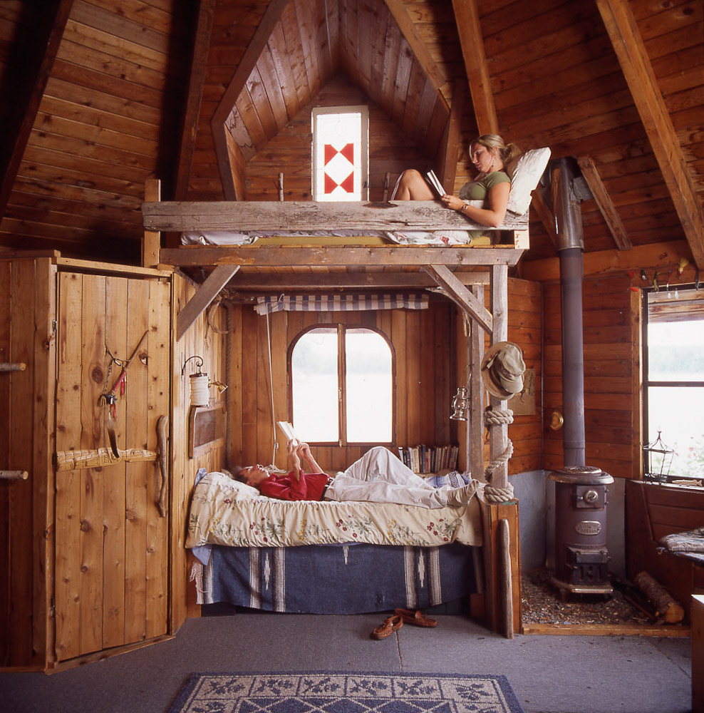 Cabin bunk beds by Winnipeg editorial photographer
