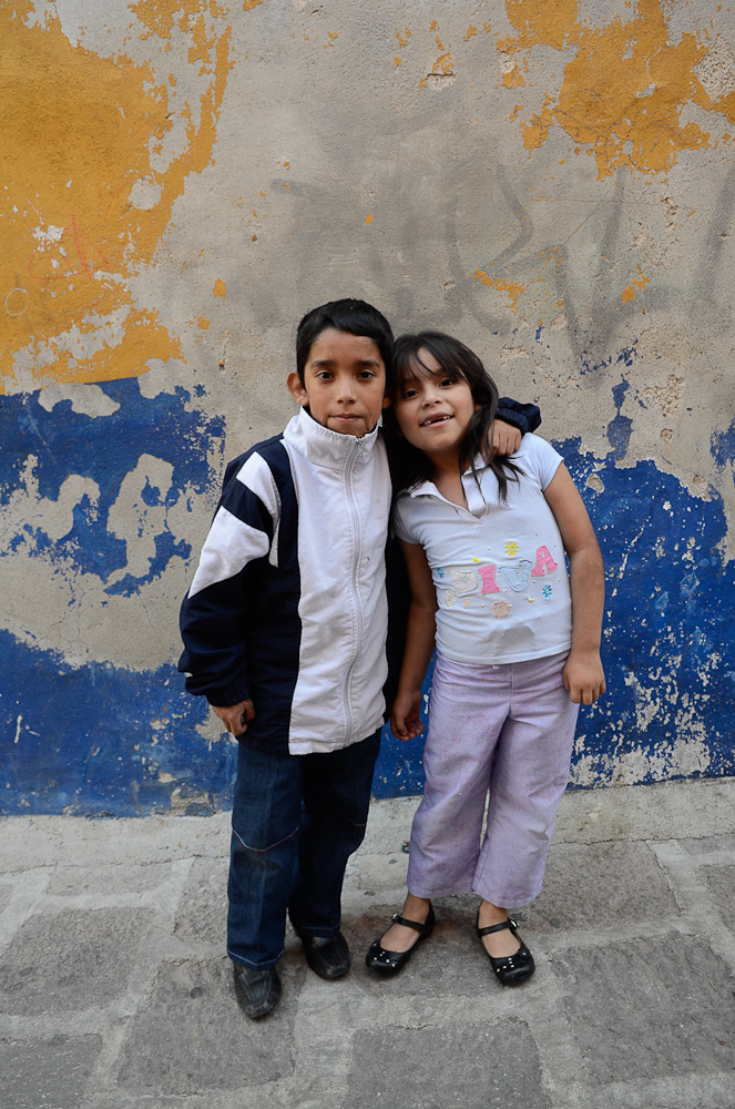 Guanajuato kids by Winnipeg travel photographer
