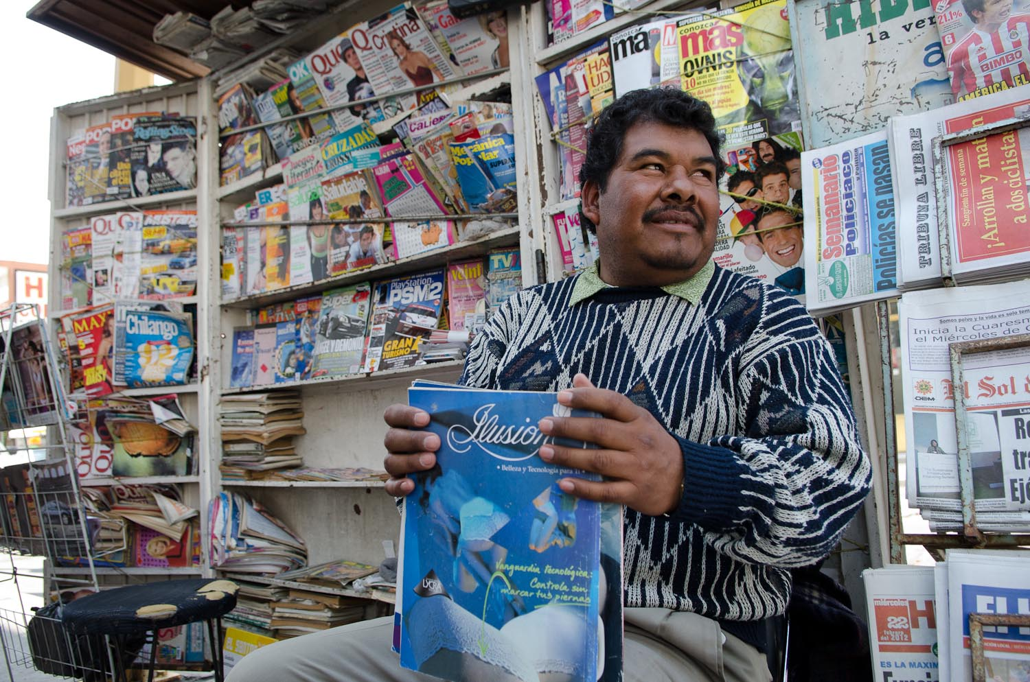 Mexican newsstand by Winnipeg travel photographer